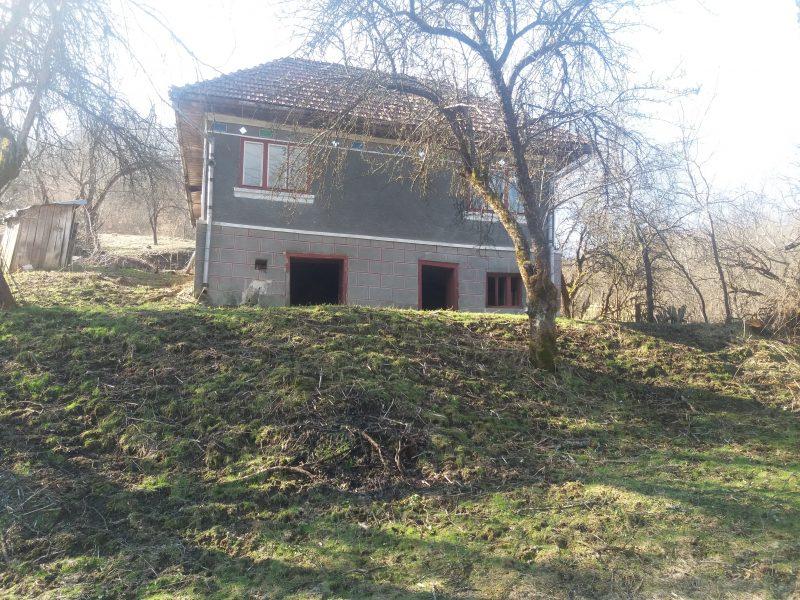 Codrin Fica sat Tarnita,teren 1HA,utilitati apa,curent nr.tel 0760.013.748