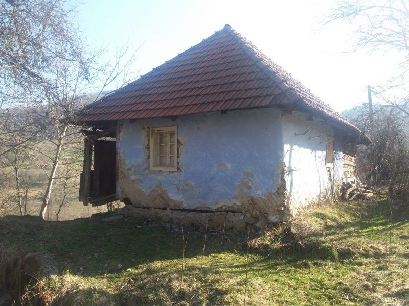 Onutiu Florin teren 1HA,utilitati apa,curent pret 6.000 euro,nr tel 0767.838.622
